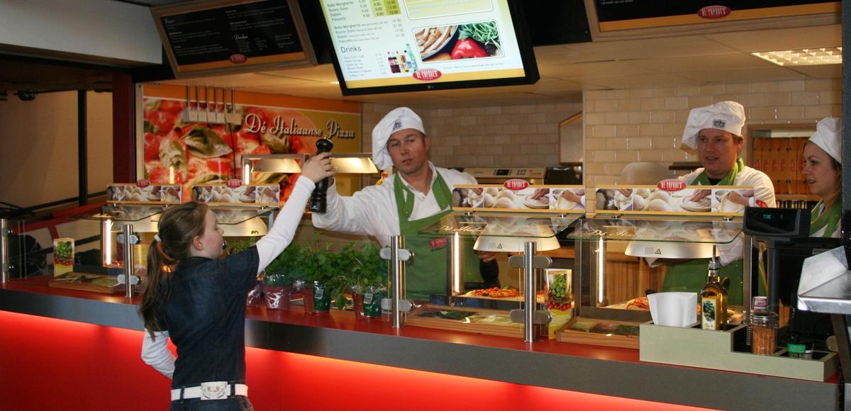 Al Capone's Pizza's: Restaurants RAI