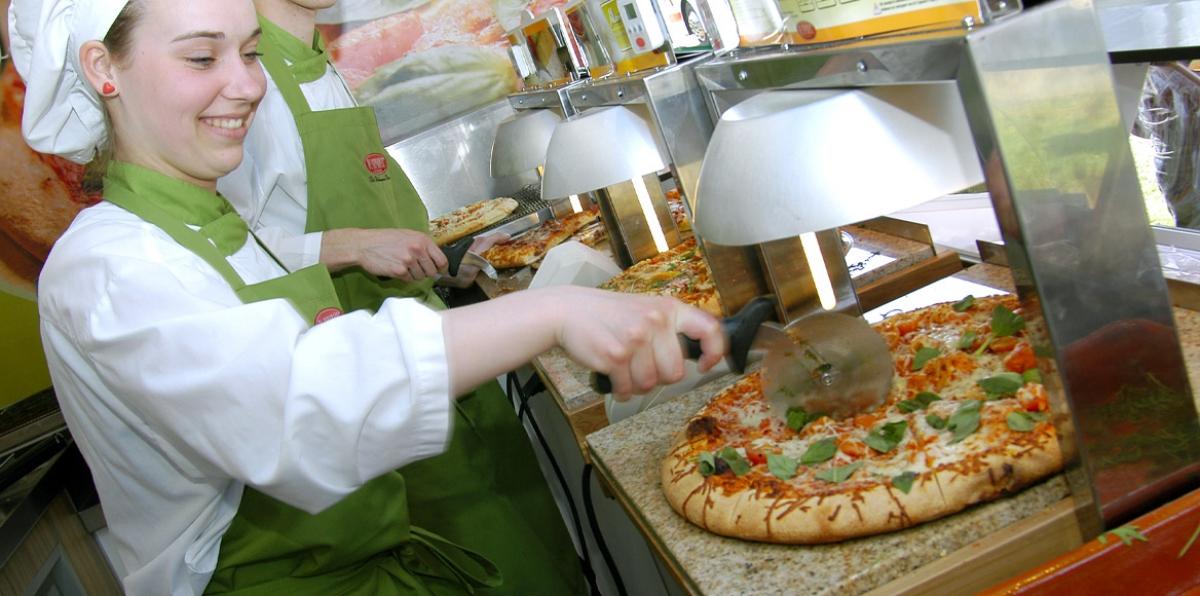 De warmhoudplaten zoals ingezet in de martkwagen van Al Capone's Pizza's